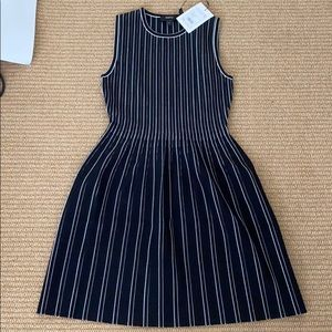 Nwt theory sleeveless shell dress black stripe